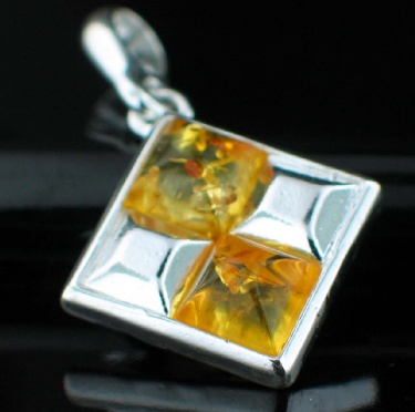Sterling silver Baltic Amber (7mm) pendant ID=Amb_Pn42Lm
