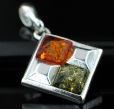 Sterling silver Baltic Amber (7mm) pendant ID=Amb_Pn42Mx