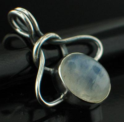 Sterling silver Rainbow Moonstone (7x10mm) Pendant ID=pn402rm