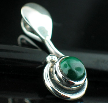 Sterling silver Malachite (6mm) Pendant ID=pn476lp