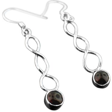 Sterling silver Garnet (6mm) Earring