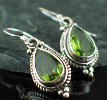 Sterling silver Peridot (6ctw OVAL stone) Earring