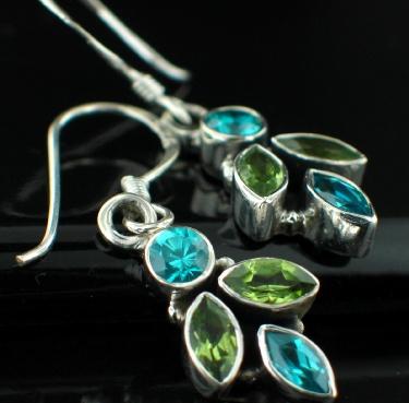 Sterling silver Blue Topaz (2ctw) & Peridot (2ctw) Stunning! Earring
