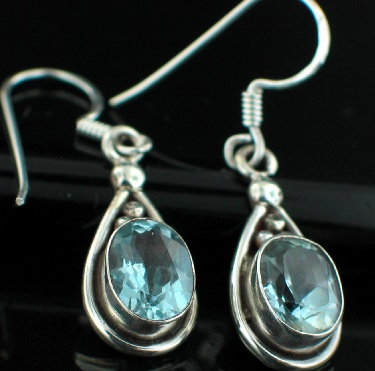Sterling silver Blue Topaz (4 ctw) Earring