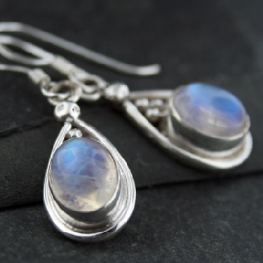 Sterling silver Rainbow Moonstone (5x8mm) Earring