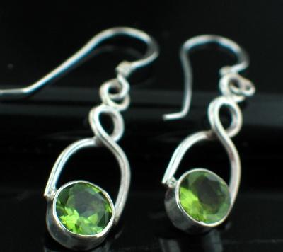 Sterling silver Peridot (6ctw - OVAL) Earring