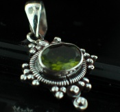 Sterling silver Peridot (5 ctw) <br>On Sale Through June 4 Pendant