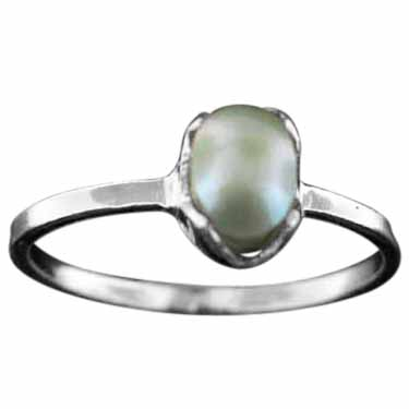 Sterling silver Mother of Pearl (4x7mm) Ring