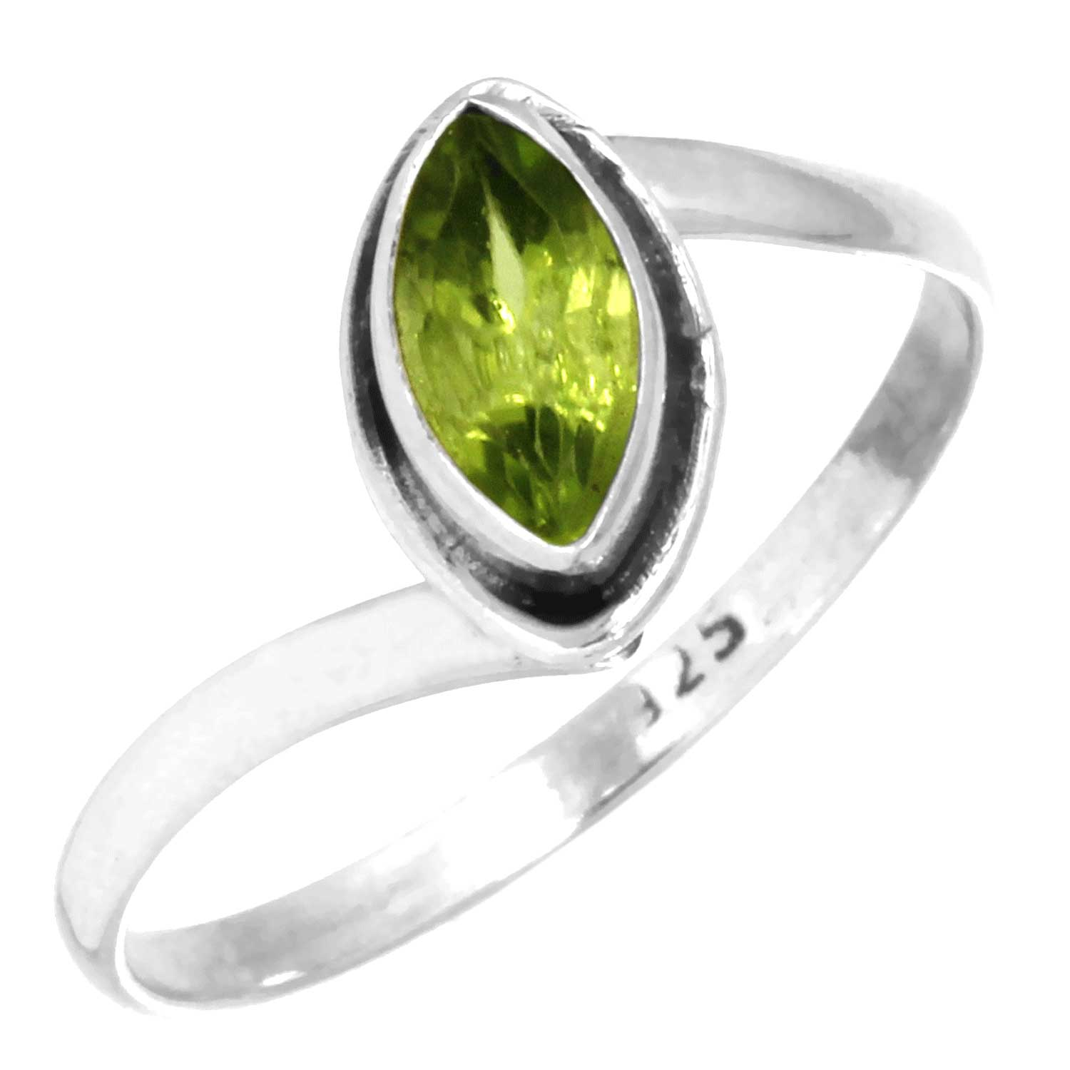 Sterling silver Peridot (2ctw) Ring