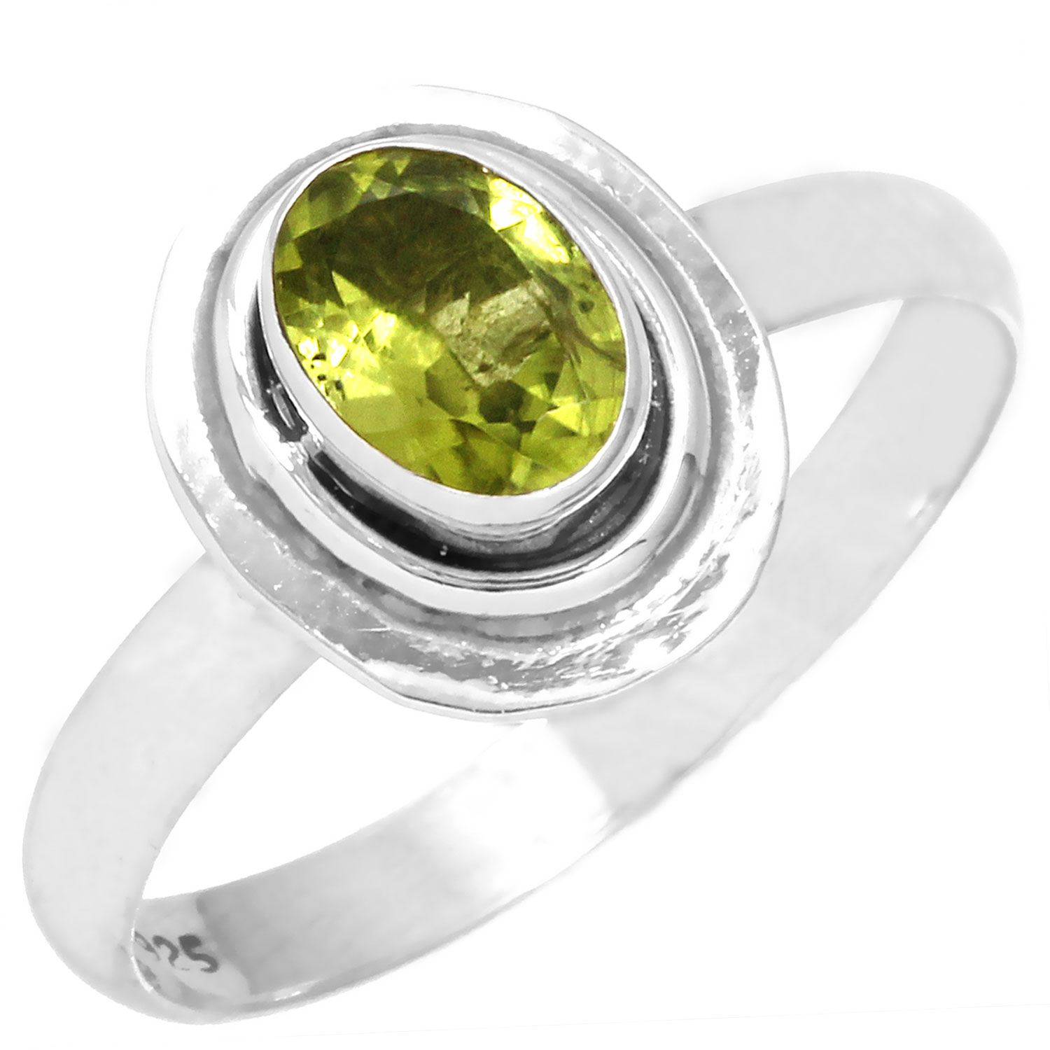 Sterling silver Peridot (3ctw) Ring