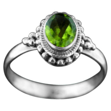 Sterling silver Peridot (5ctw) Ring